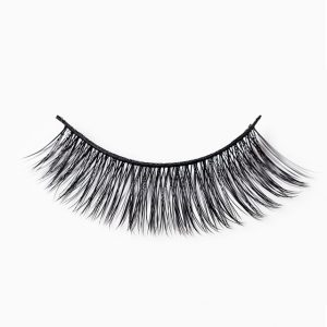 Battington Silk Lashes in Hepburn