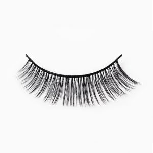 Battington Silk Lashes in Kennedy